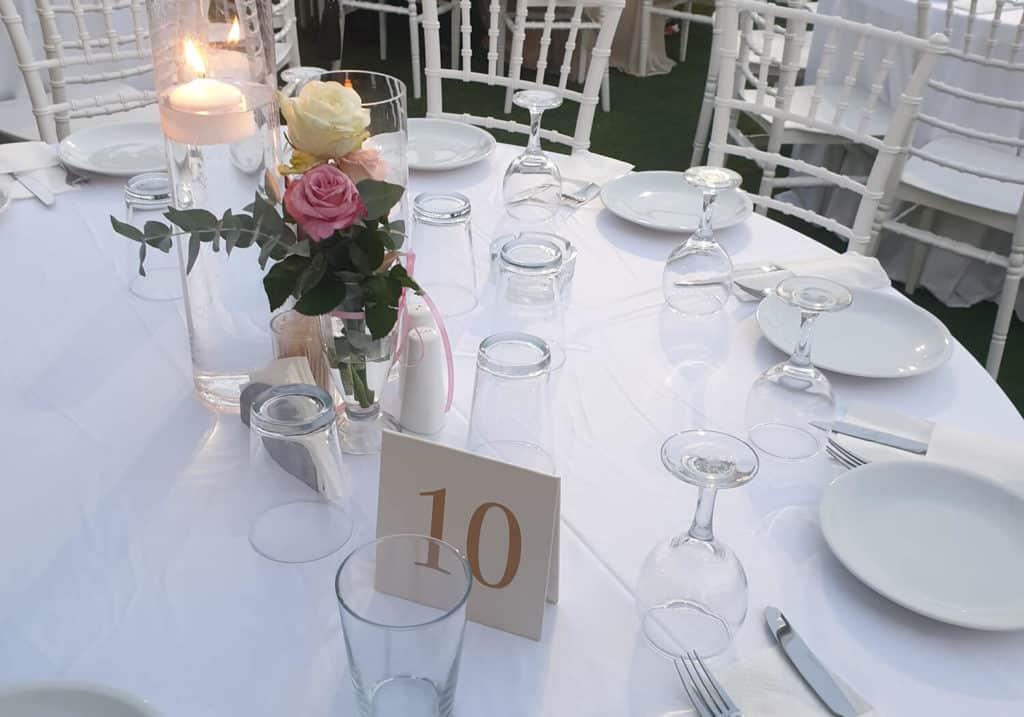 τραπέζι δεξίωσης γάμου
